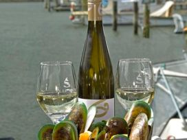 Mussels and wine Havelock
